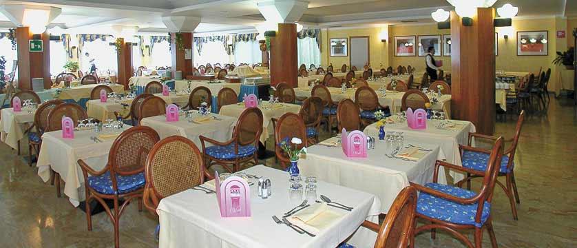 Hotel San Pietro, Limone, Lake Garda, Italy - Restaurant.jpg